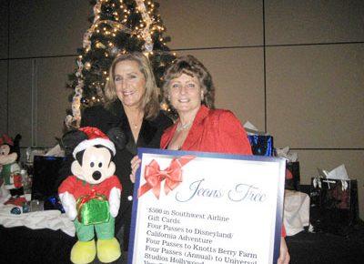 Lisa Gillmor & Debi Davis Mission City Community Fund Dinner